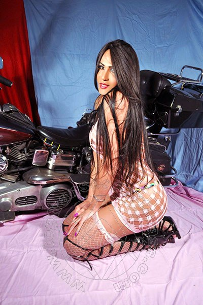 Sandra Patielly  SALERNO 320 4889415