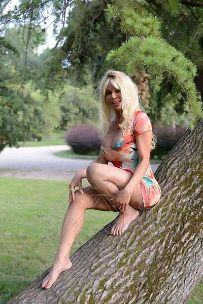 Sharon De Blanch  FIRENZE 334 5251521