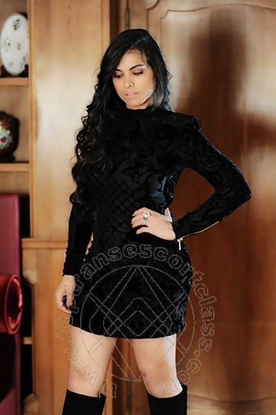 Victoria Luxo  PARIGI 0033 785783960