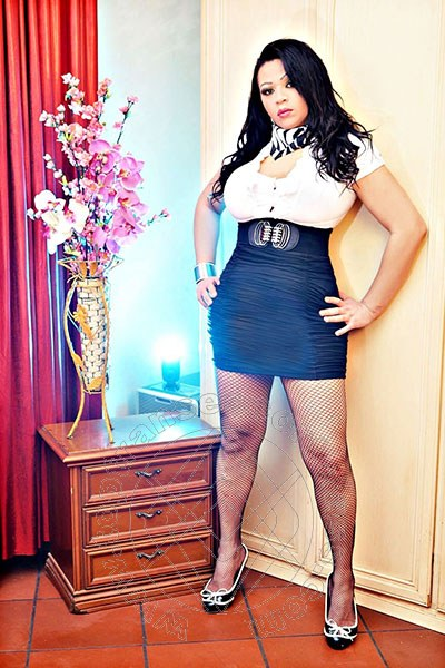 Monica Castro  MONTEBELLUNA 327 6307432