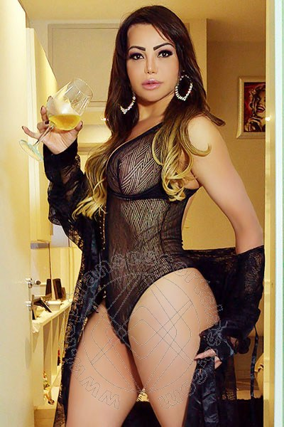 Vanessa Vaz  TORRE DEL LAGO PUCCINI 320 6872588